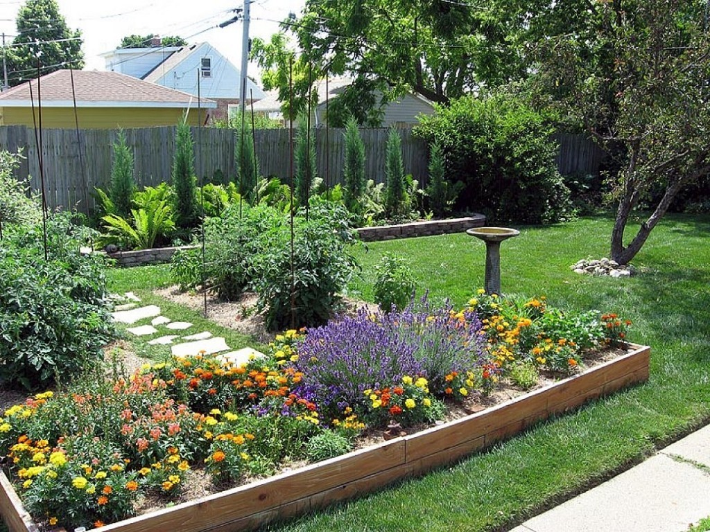 Cheap backyard landscaping ideas actual home actual home for Simple small garden