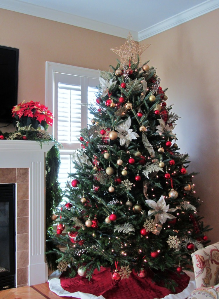 Christmas Tree Decorated For Beautiful Christmas Memories