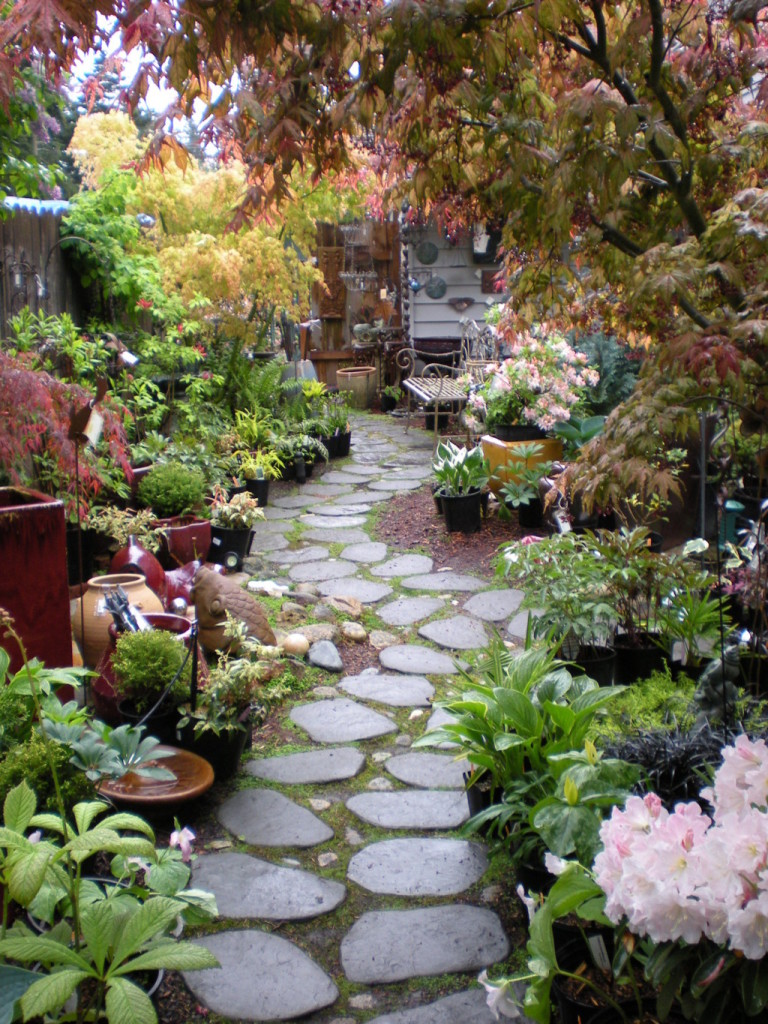 Unique garden ideas for different impression actual home for Interesting garden designs