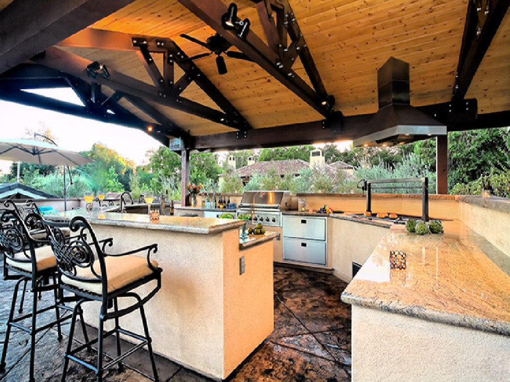 Tips to get appropriate outdoor kitchen ideas actual home for Outdoor kitchen cabinets plans