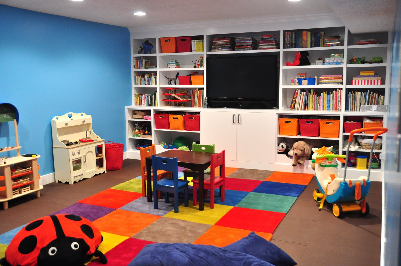 family room design with kids