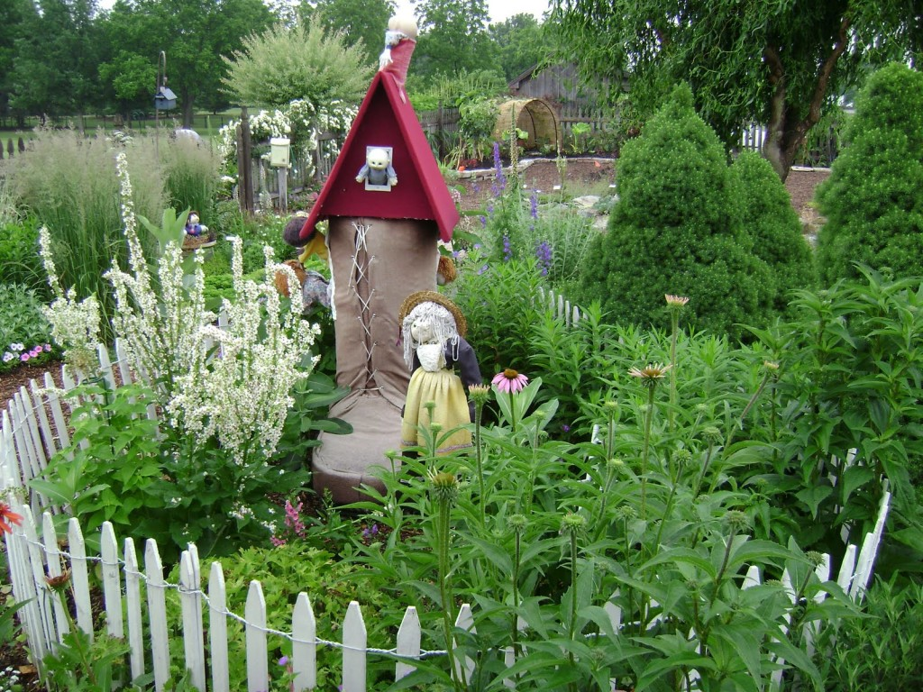 Garden ideas for kids for the endless memories actual home for Interesting garden designs