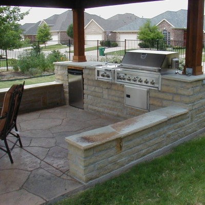 Tips to get appropriate outdoor kitchen ideas actual home for Cheap outdoor kitchen designs