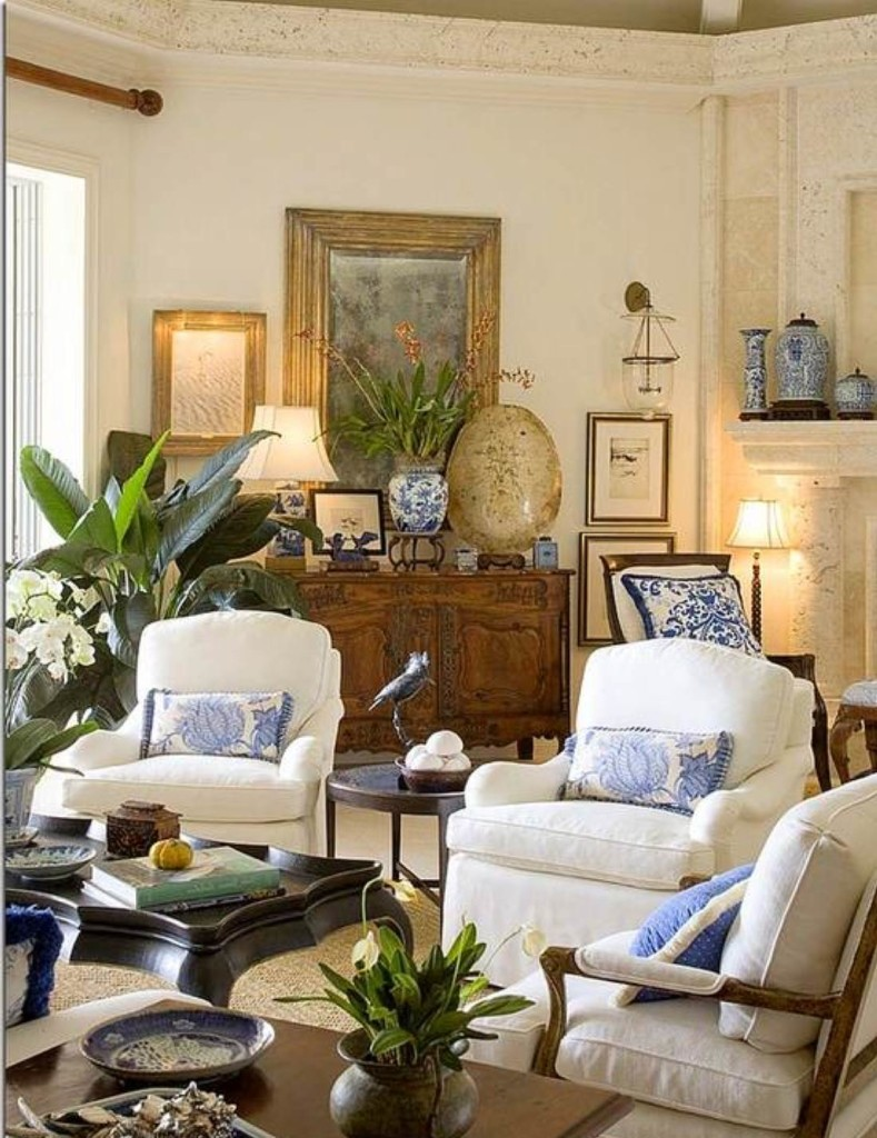 traditional living room decoration