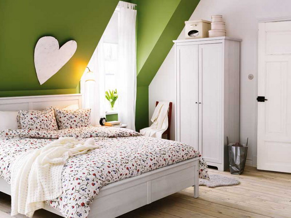 Green-Romantic-Attic-Bedroom-Ideas