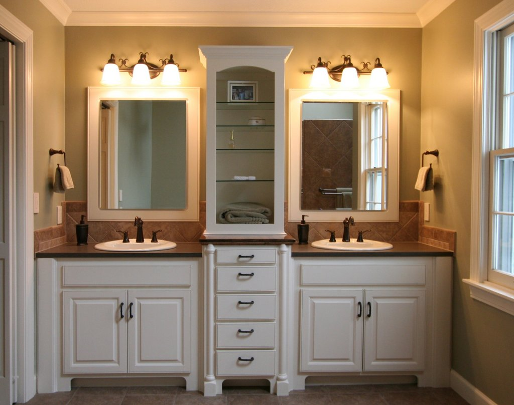 How to decor a small blue master bath actual home actual home for Pictures of bathrooms with double sinks